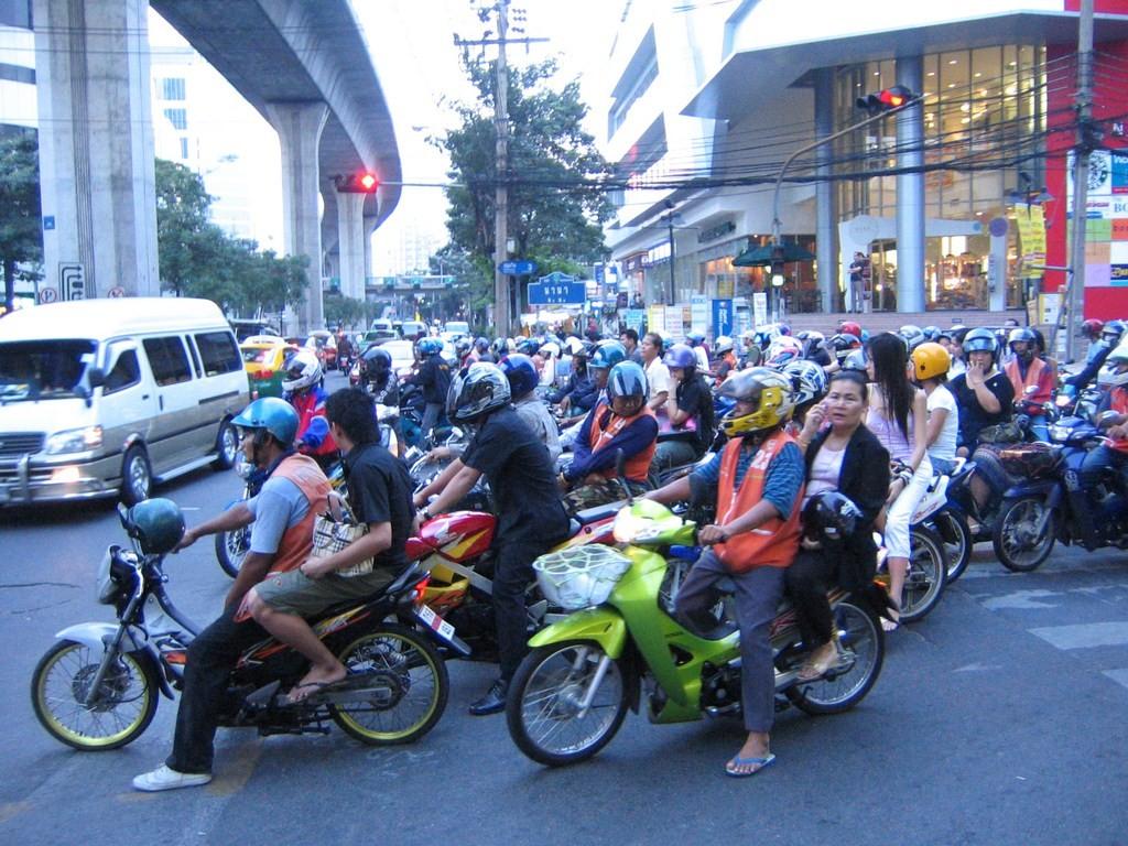 Scooters_Bangkok_Nana (Copy)