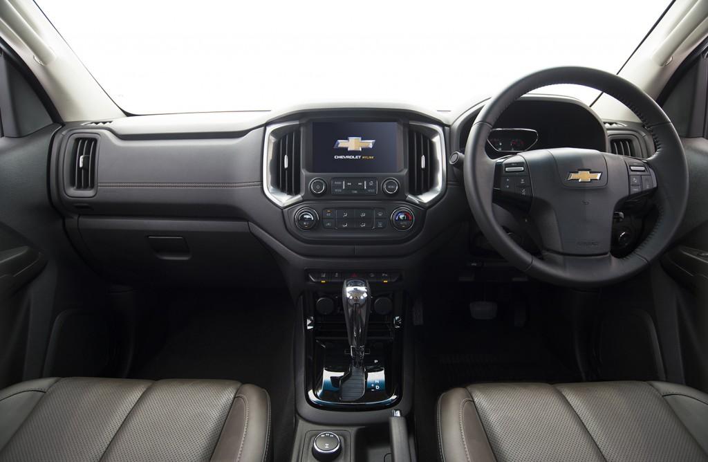 2017 Chevrolet Colorado High Country_interior 1