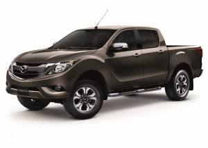 2016-Mazda-BT-50-PRO-front-three-quarter-full-side-official