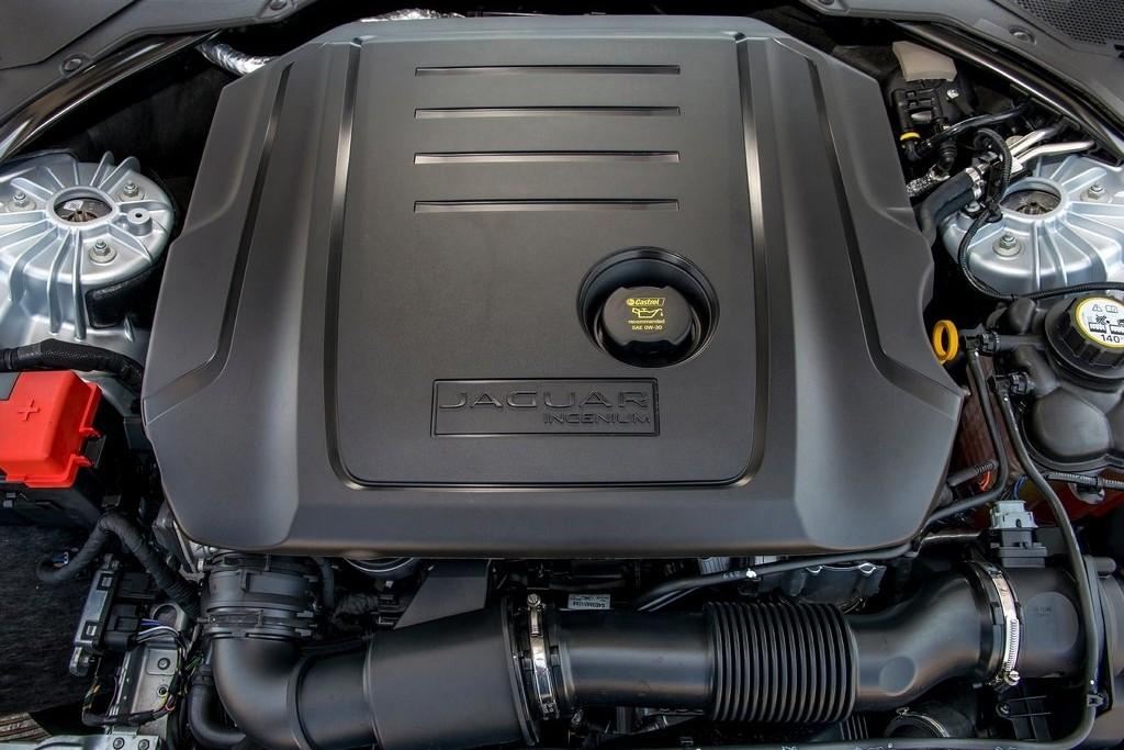 Jaguar-XF-2016-1024-d3