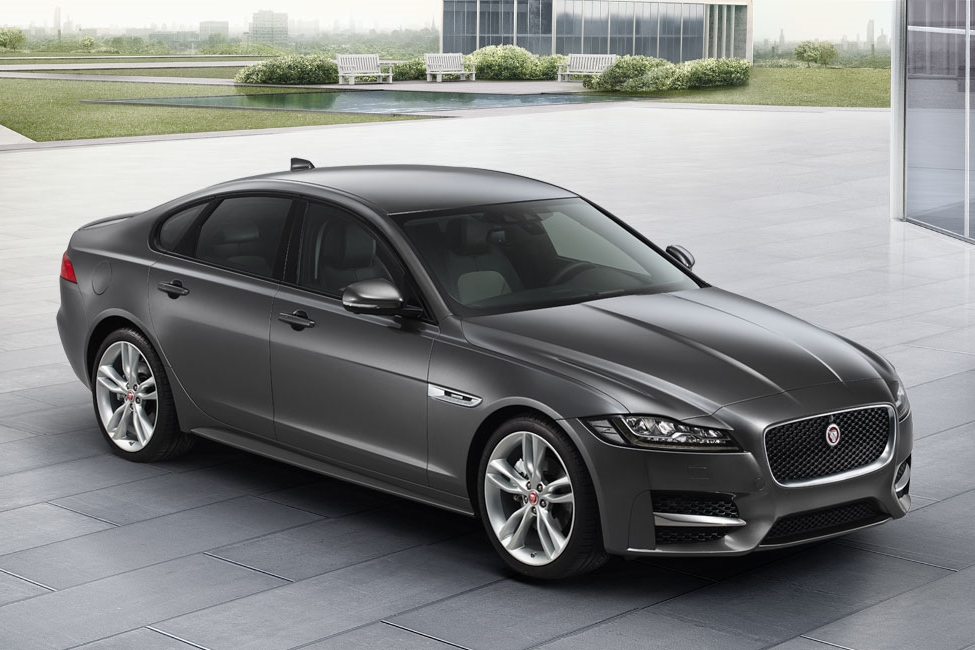 R-Sport_XF_16MY_020_GEE-EXTERIOR-MODEL_DISPLAY-desktop-1366x650_tcm76-189505_desktop_1366x650