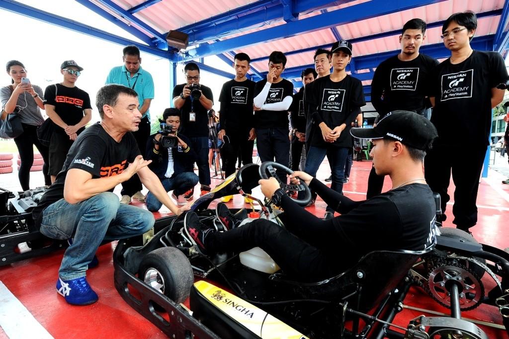 04.ฝึกทักษะการขับ Go-Kart