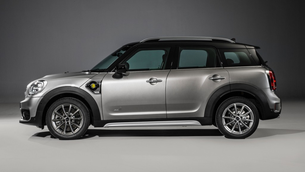 2017-mini-cooper-s-e-countryman-all4 (12)