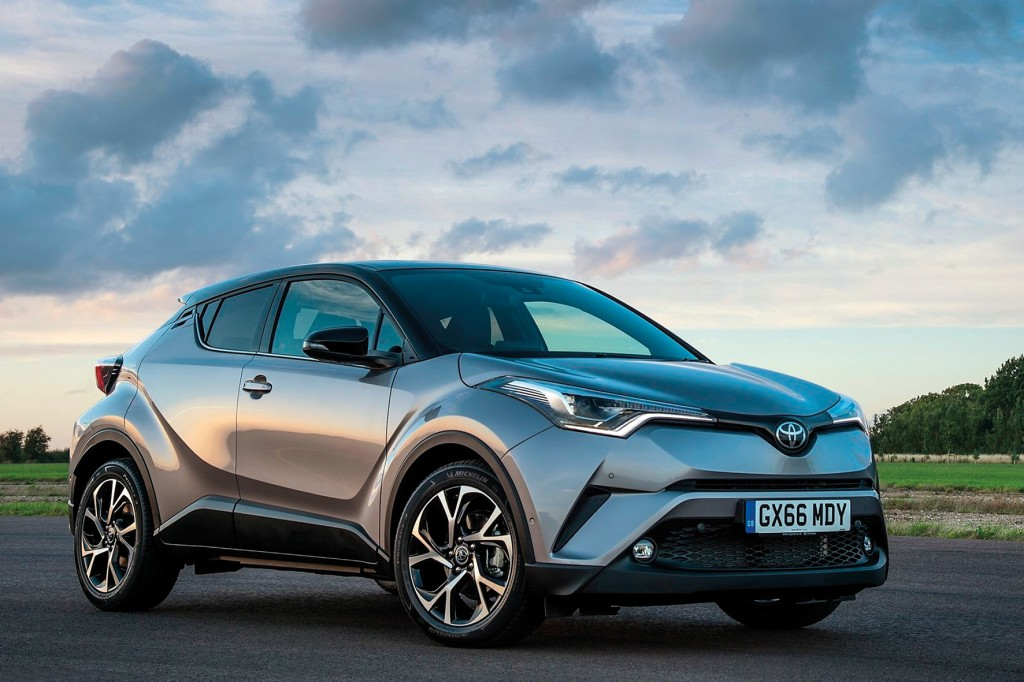 Toyota-C-HR_US-Version-2018-1600-02
