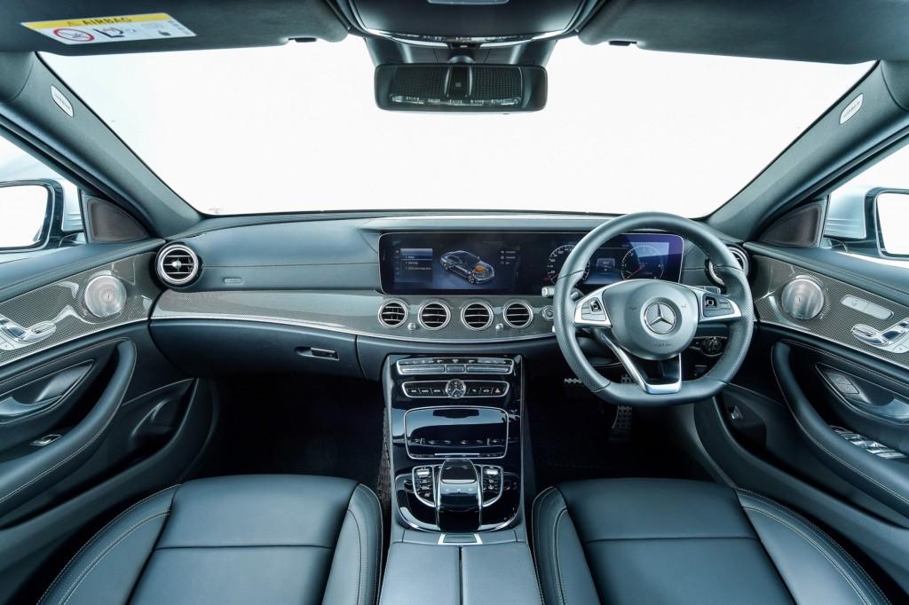 E 220 d AMG Dynamic_interior_2