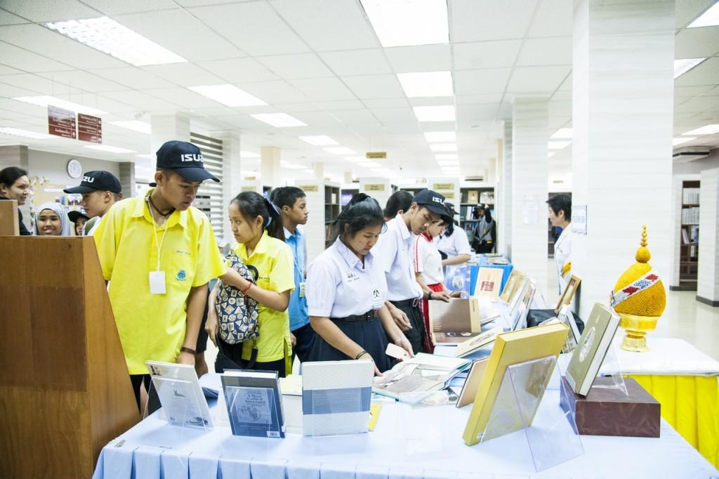 ชมความทันสมัยของห้องสมุดกีฬาเพื่อประชาชน (3)