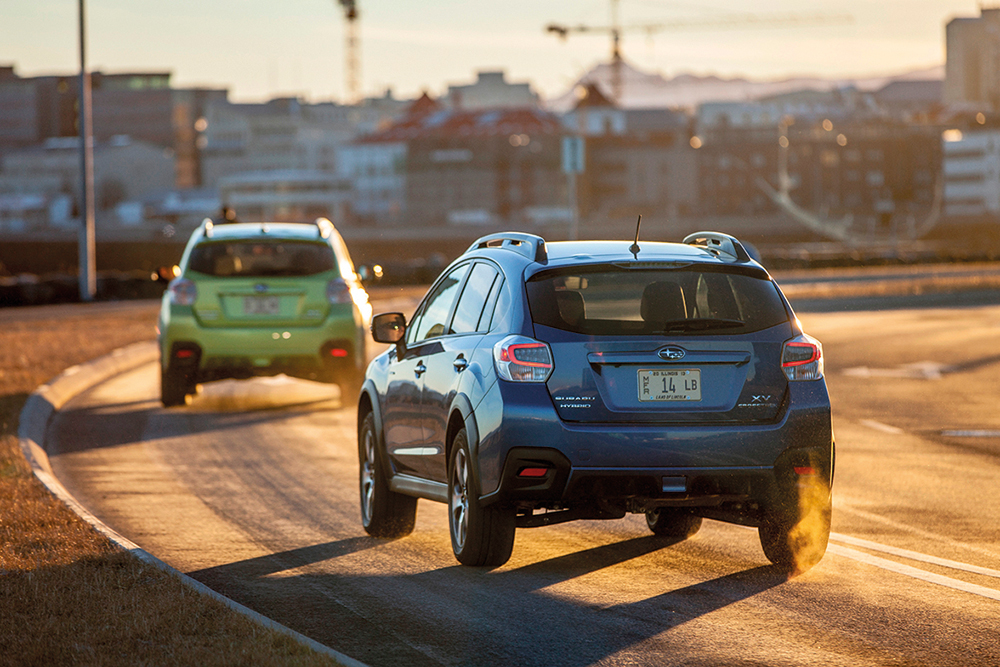 2014-subaru-xv-crosstrek-hybrid-rear-end-in-motion copy