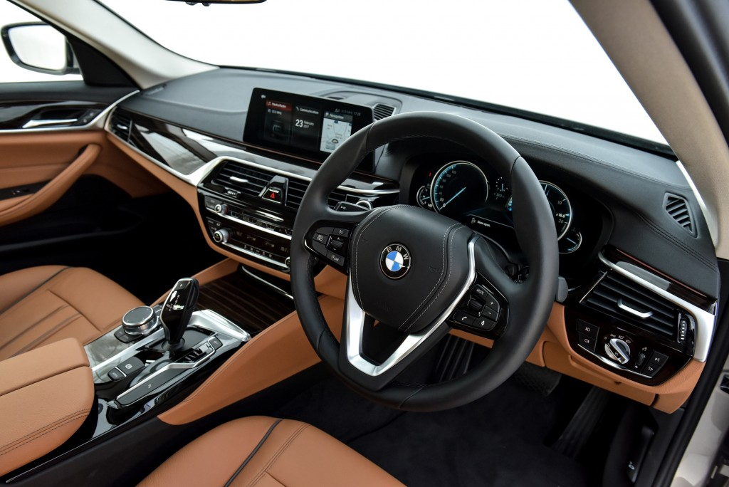 BMW 520d Luxury (11)