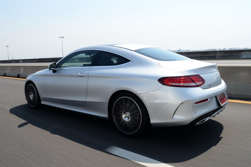 C 250 Coupe AMG Dynamic_Silver_Running (5)