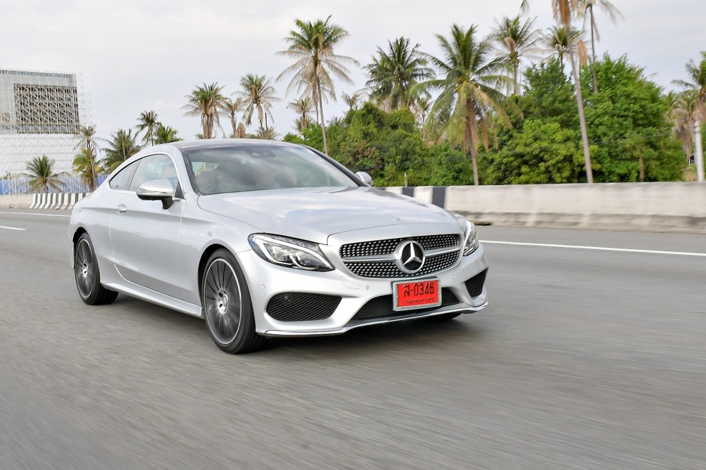 C 250 Coupe AMG Dynamic_Silver_Running (7)