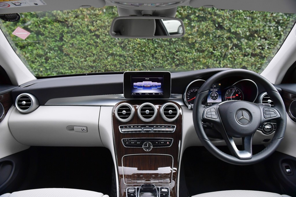 C 250 Coupe Sport_Black_Interior (1)