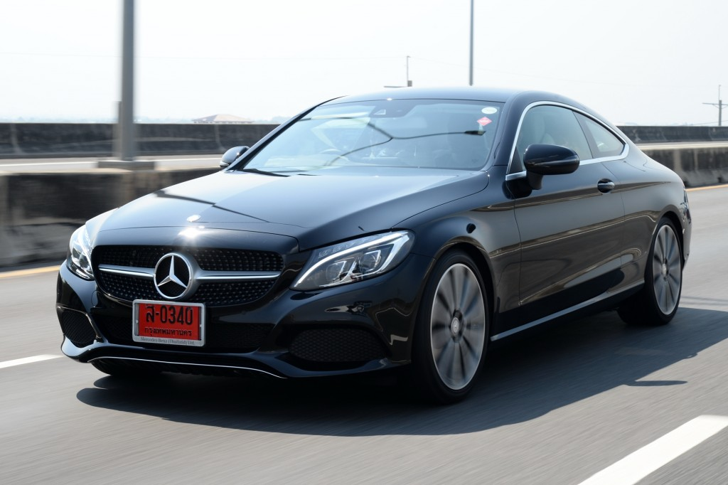 C 250 Coupe Sport_Black_Running (5)