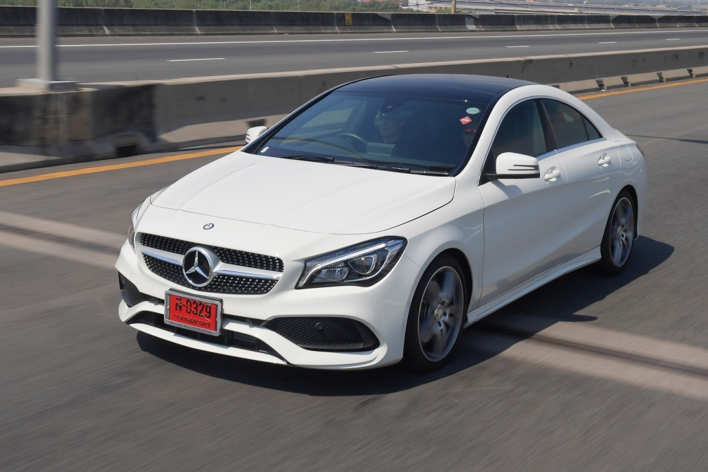 CLA 250 AMG Dynamic_White_Running (5)