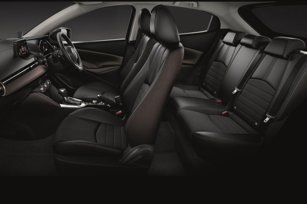 Mazda2_14