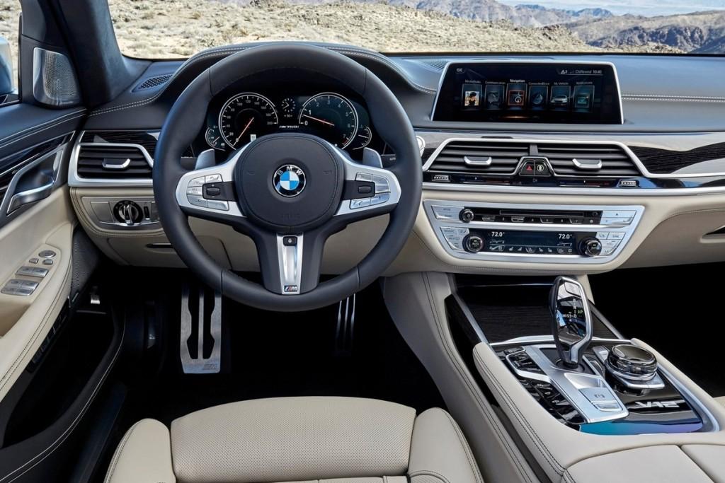 BMW-M760Li_xDrive-2017-1600-8d