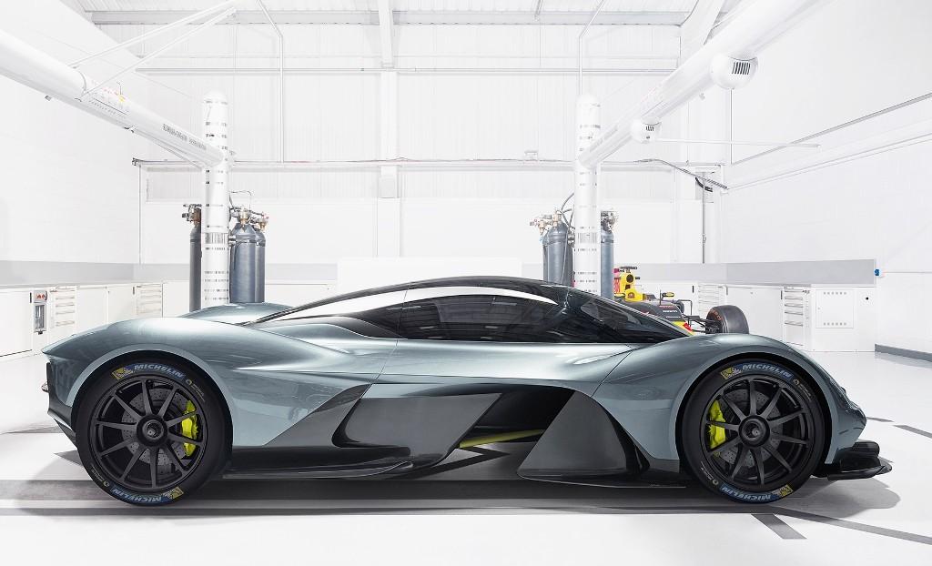 Aston Martin  Valkyrie_Michelin_01