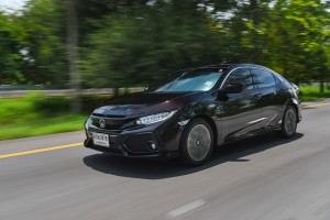 Honda Civic Hatchback Turbo ขับสนุกตั้งแต่ออกตัว