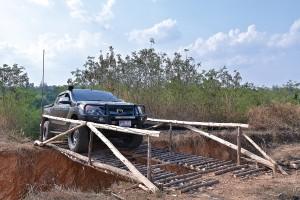 ฝึกขับรถขับเคลื่อน 4 ล้อ ให้เป็น และปลอดภัย กับ สปิริท