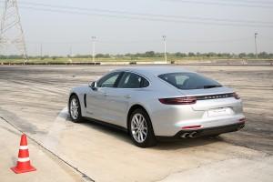 ทดลองขับ : Porsche Panamera 4S