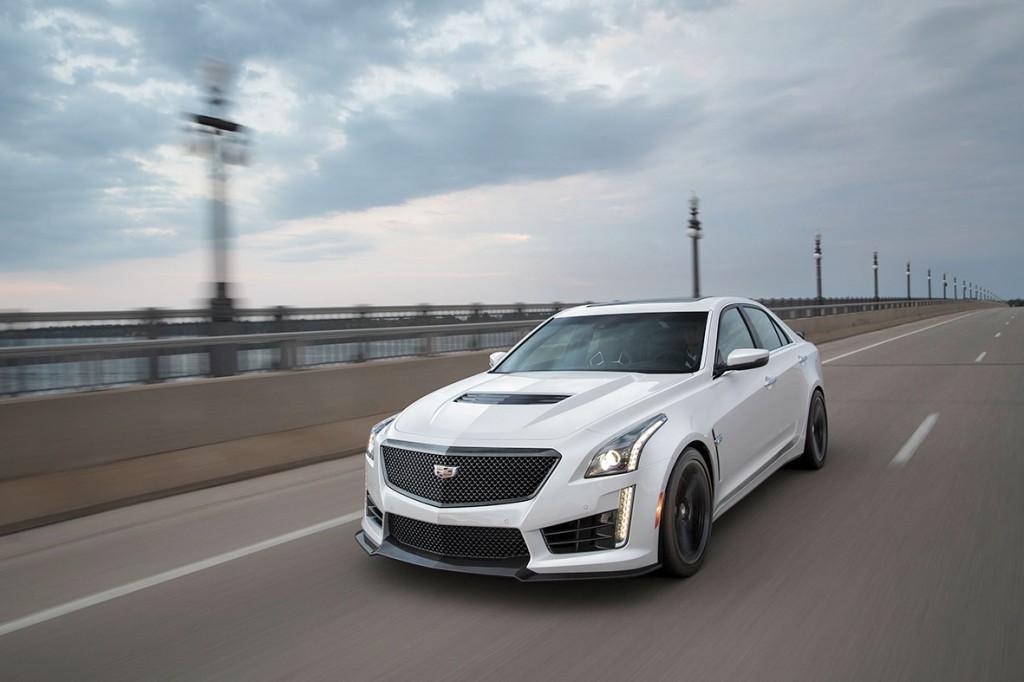 2017-Cadillac-CTS-V-Sedan-cb-002