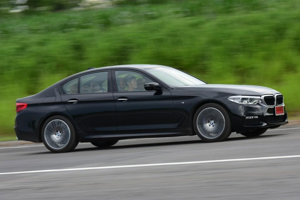 BMW 520d LUXURY/530i M SPORT