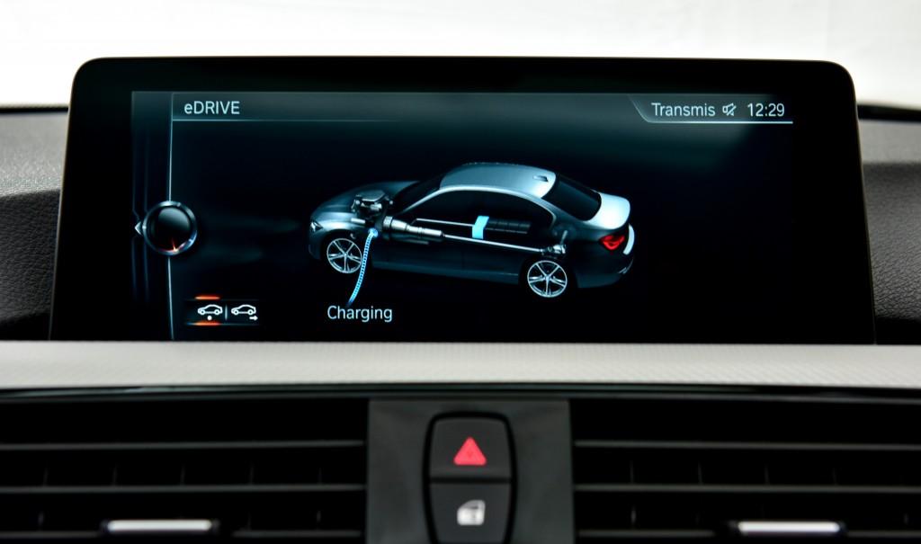 BMW 330e M Sport (42)