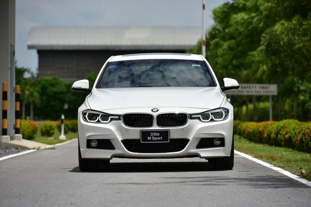 BMW 330e M Sport (52)