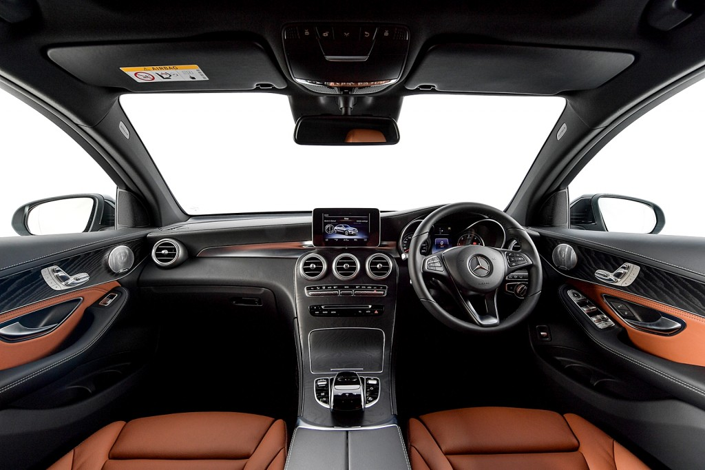 GLC 250 d 4MATIC Coupé AMG Dynamic_Interior (1)