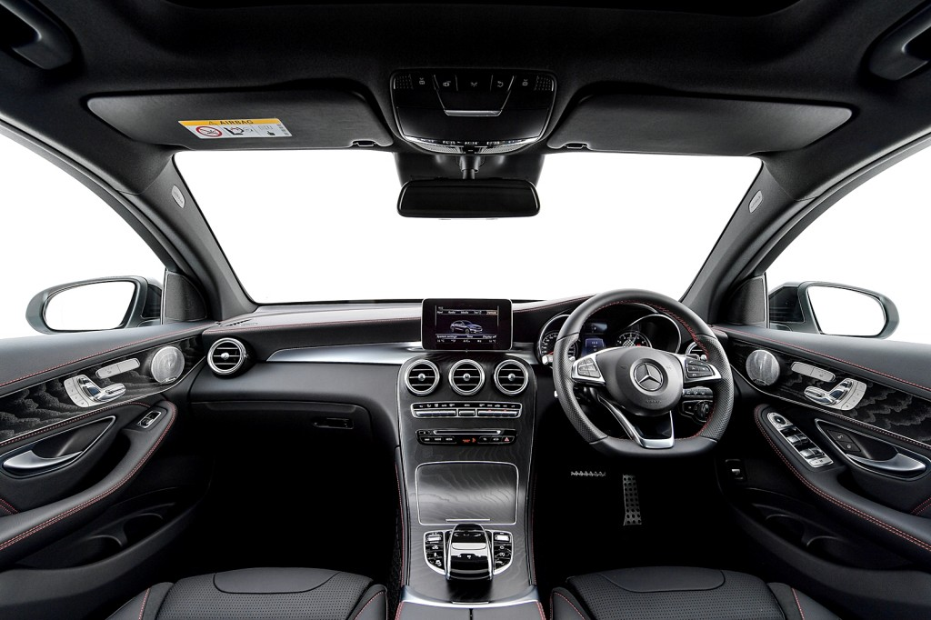 Mercedes-AMG GLC 43 4MATIC Coupé_Interior (1)
