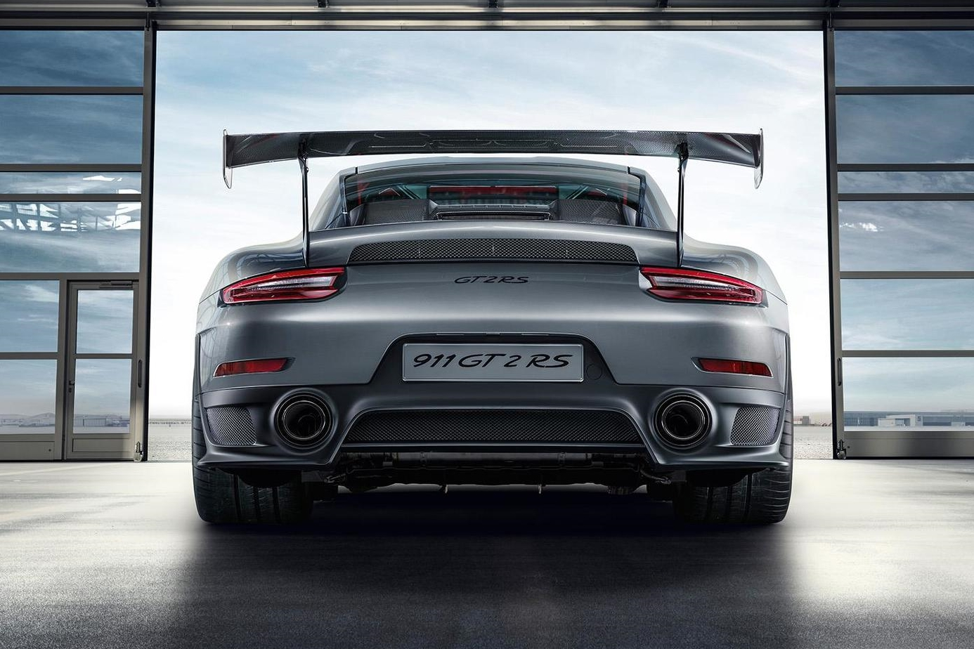 new porsche 911 gt2 rs graces the goodwood festival of speed with 690bhp pictures evo new fashions. Black Bedroom Furniture Sets. Home Design Ideas