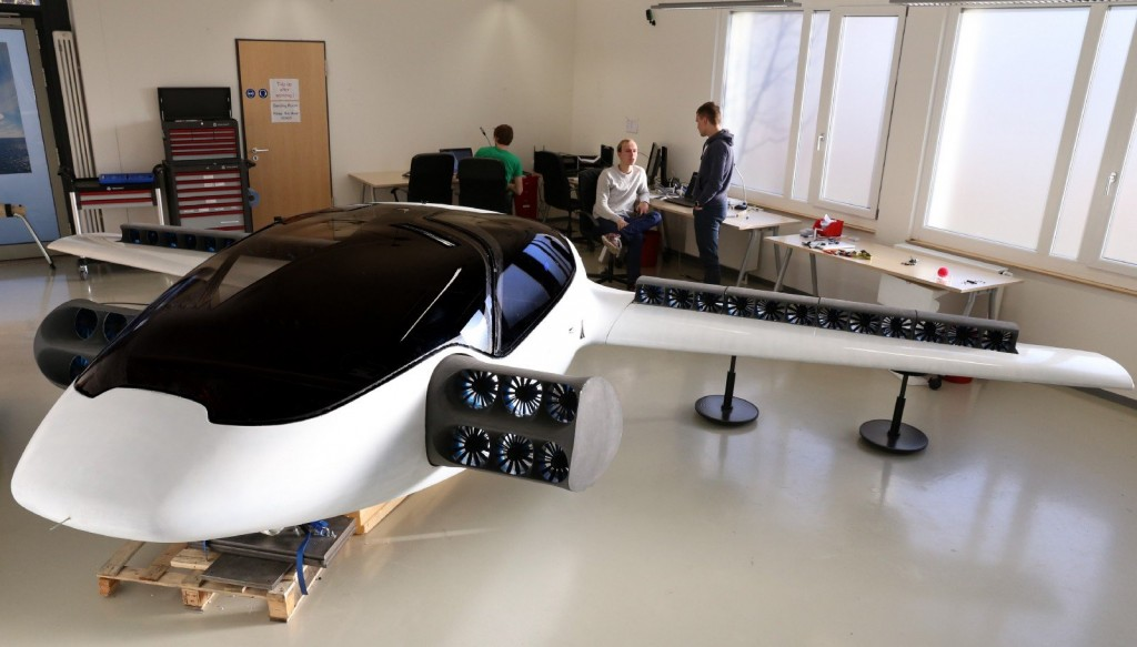 lilium-full-scale-prototype-workshop