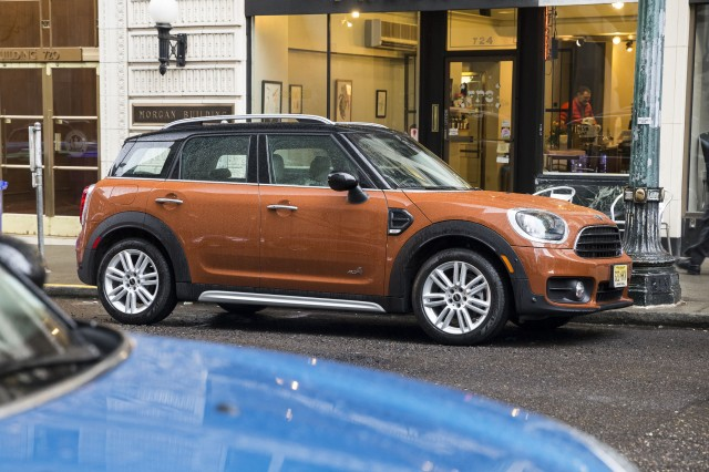 2017-mini-countryman_100595647_m