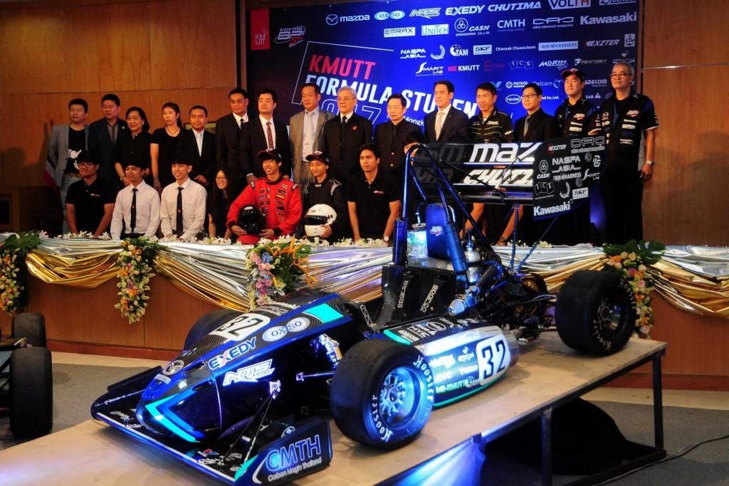 """มาซดา ผนึก มจธ. สานฝันเด็กไทย เปิดรถแข่ง """"Black Pearl IX: Ubiquitous"""""""