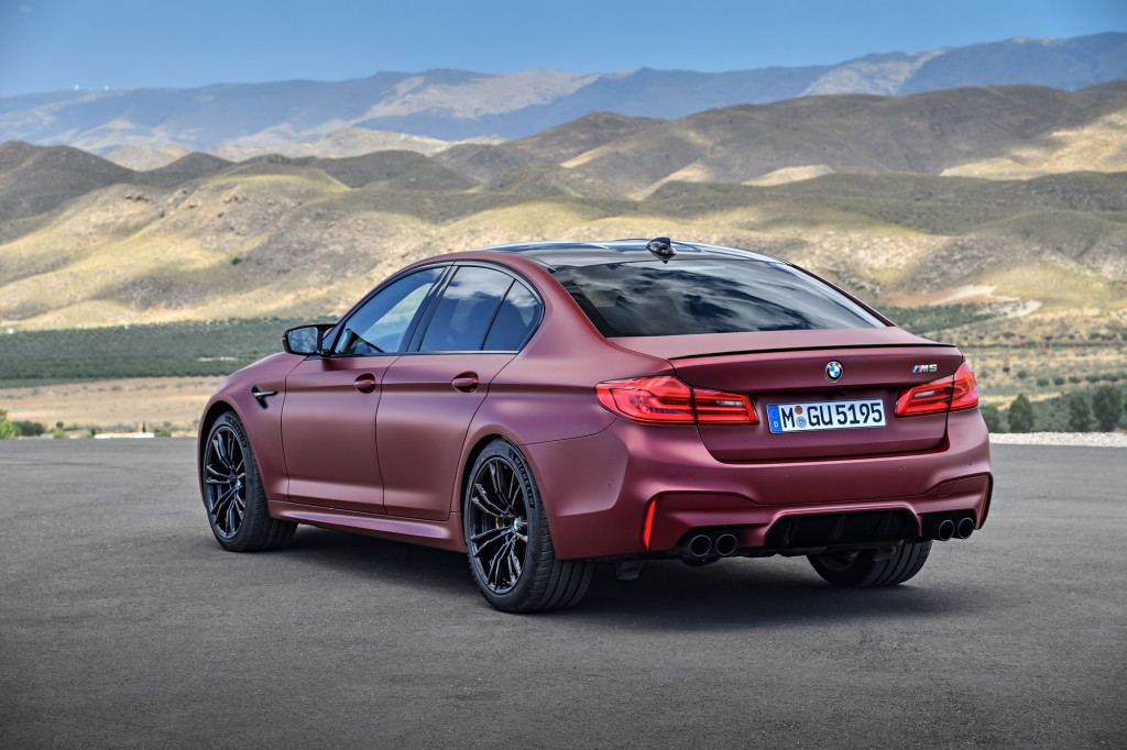 P90273028_highRes_the-bmw-m5-first-edi