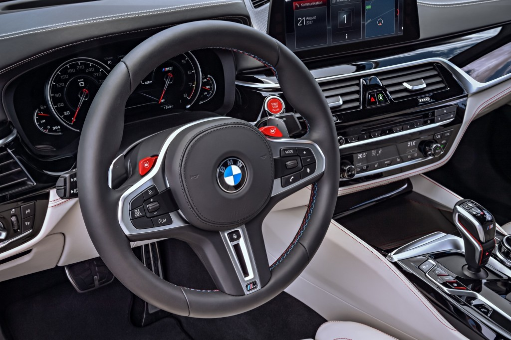 P90273042_highRes_the-bmw-m5-first-edi