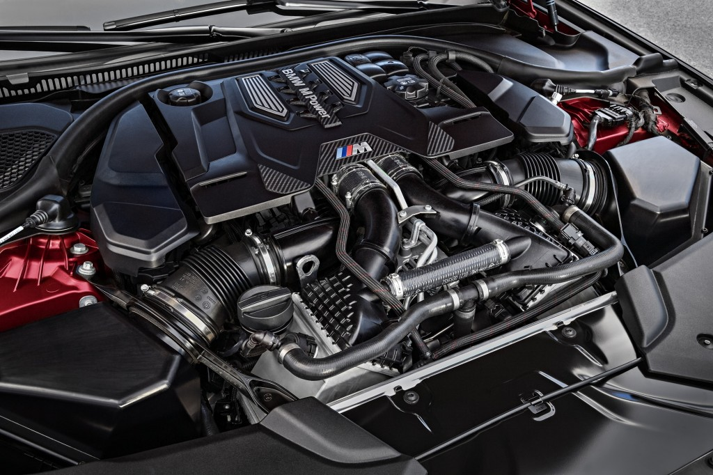 P90273048_highRes_the-bmw-m5-first-edi
