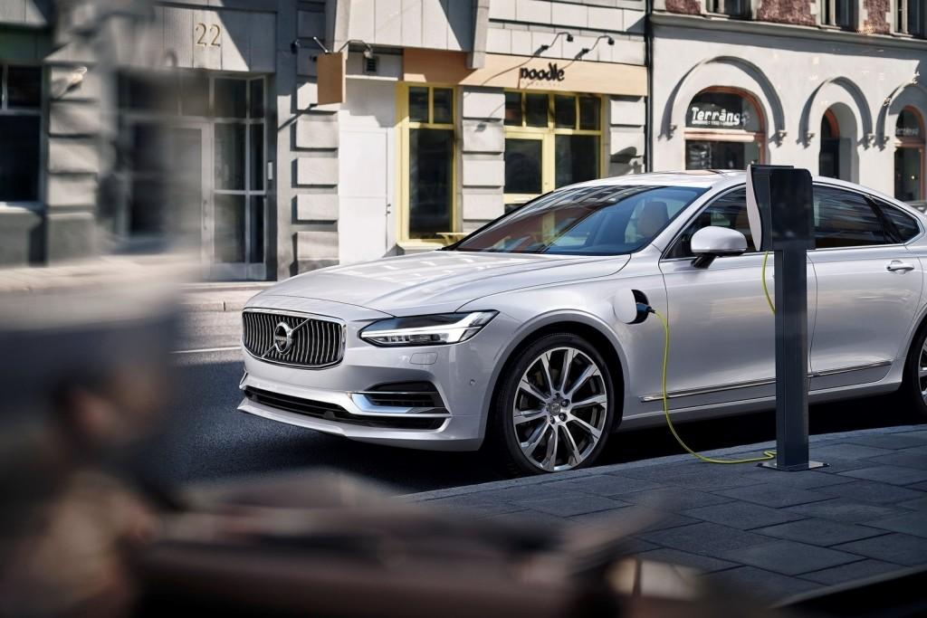 Volvo-S90-2017-1600-66