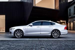 Volvo S90 เพิ่มรุ่นพลัก-อิน ไฮบริด ราคาโดนใจกว่าเดิม !!