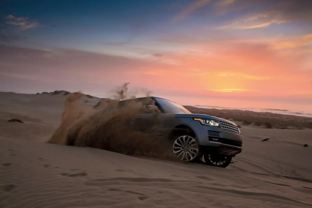 ขับรถในทะเลทราย