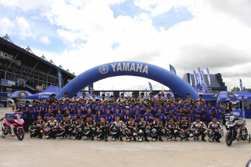 02 ยามาฮ่า ส่งท้ายเกม Moto Challenge Season 3 นำนักแข่งอาชีวะสัมผัสสนามแข่งระดับโลก
