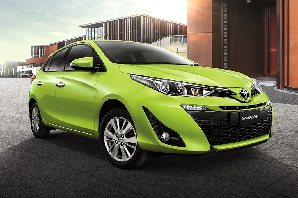 Toyota Yaris ปรับโฉมครั้งใหญ่ เส้นสายโฉบเฉี่ยวกว่าเดิม !!