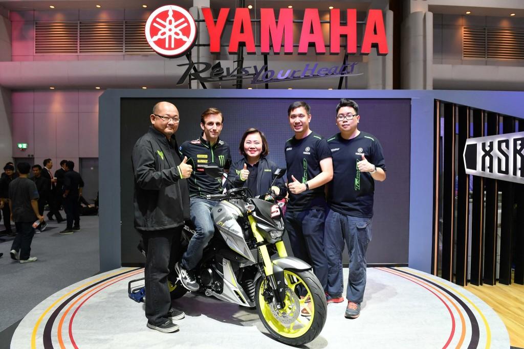 """017 ยามาฮ่า ดึง Johann Zarco นักบิด MotoGP รถใหม่ ที่บูธ """"Yamaha Riders' Community"""" ในงาน Motor Expo 2017"""