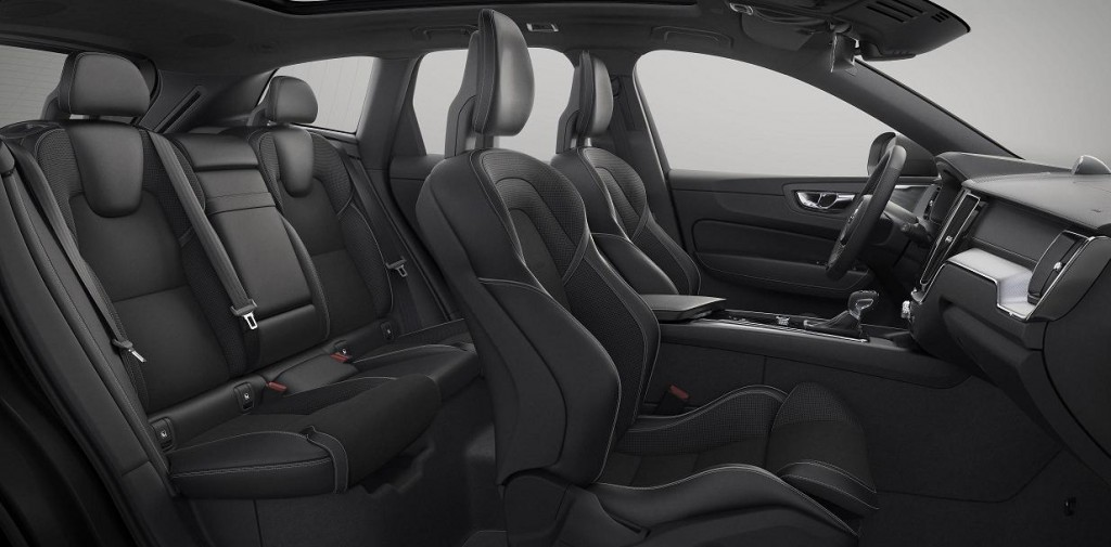 10_XC60_dark_interior_RDesign_T8