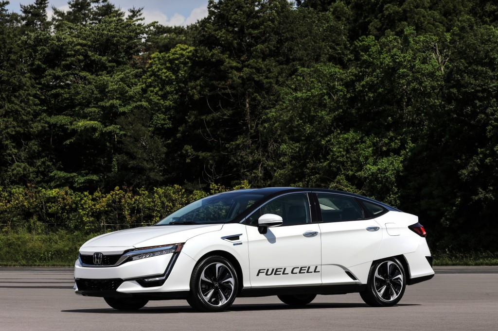 CLARITY FuelCell(FRONT)