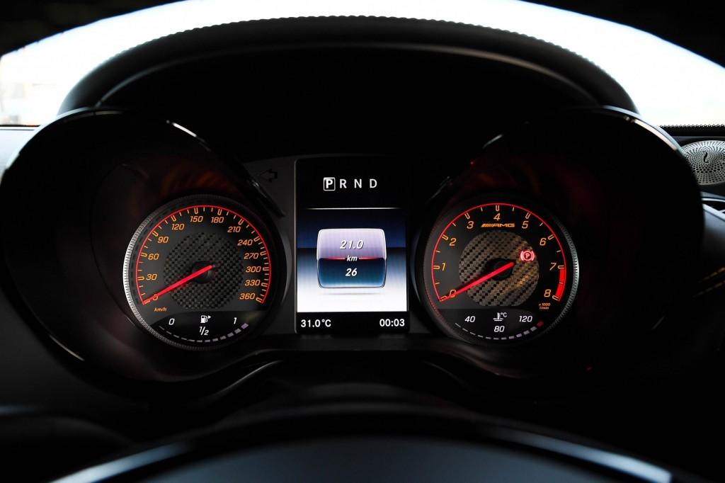 Mercedes-AMG GT R_Interior (3)