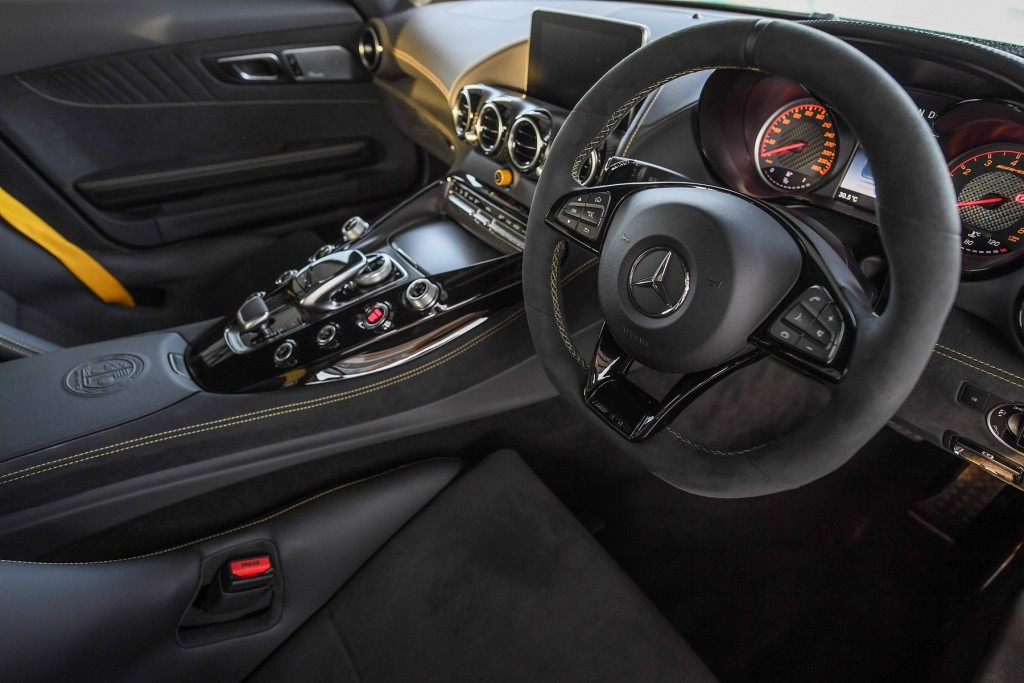 Mercedes-AMG GT R_Interior (4)