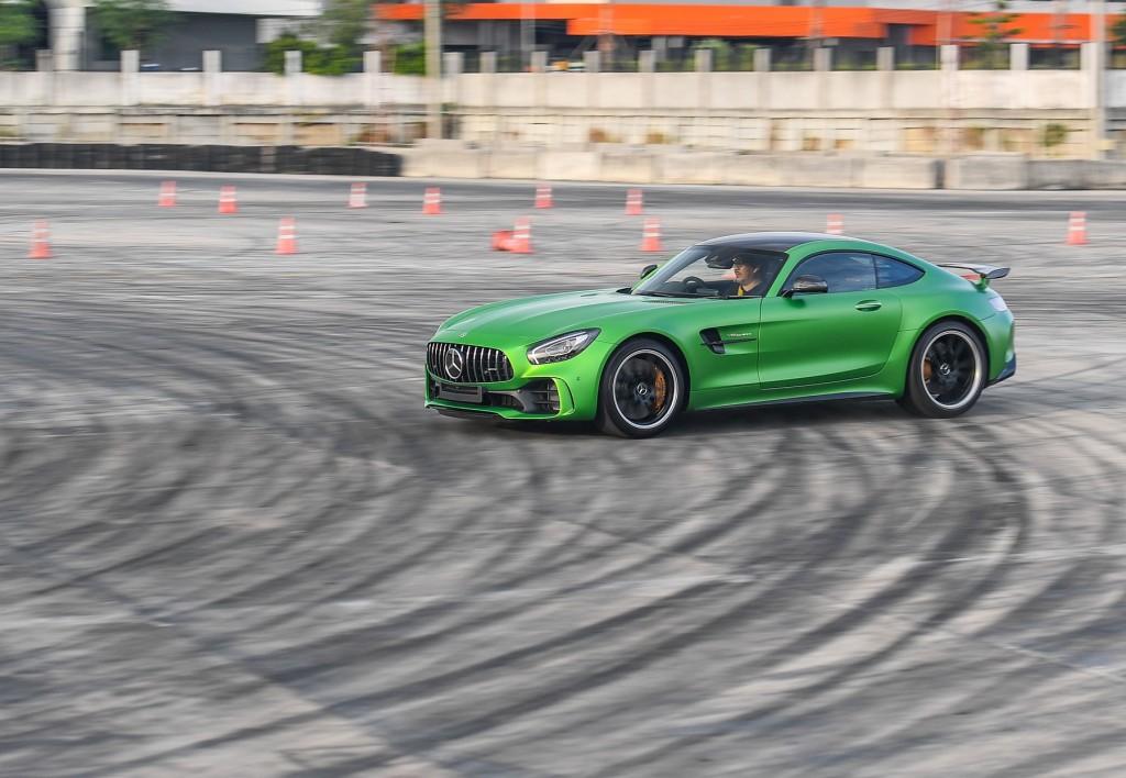 Mercedes-AMG GT R_Running (2)