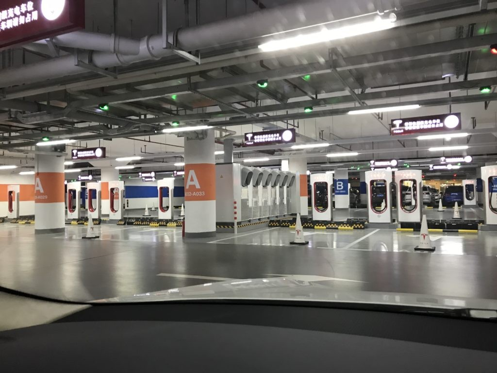 tesla-worlds-largest-supercharger-shanghai-1024x768