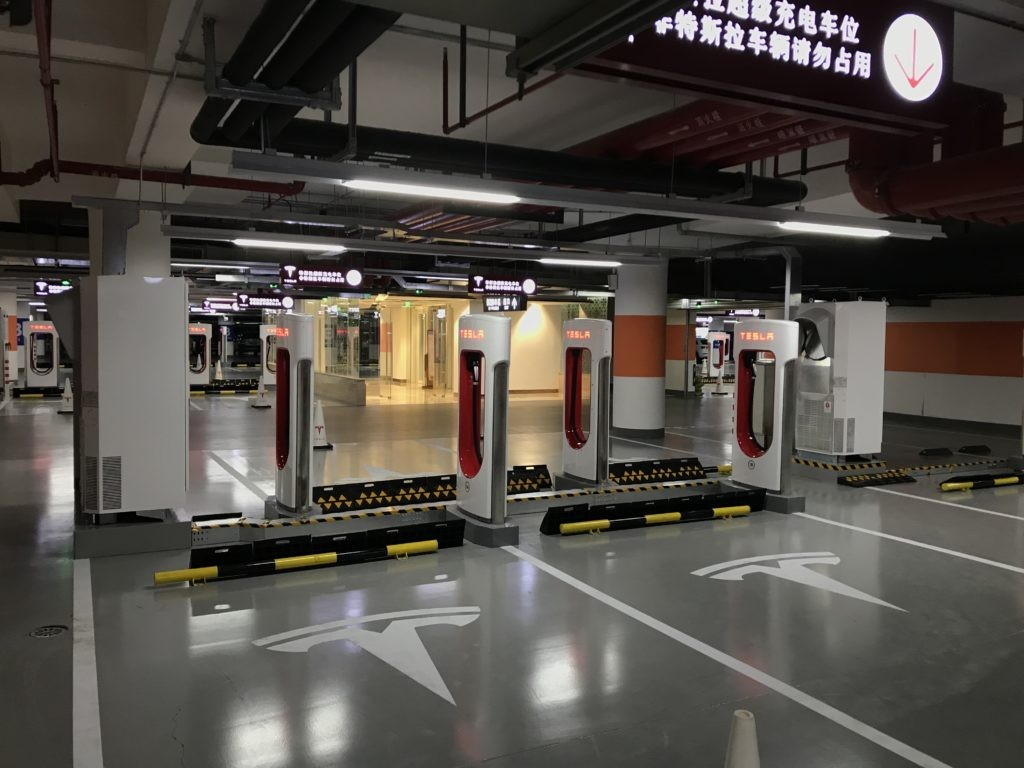 tesla-worlds-largest-supercharger-shanghai-50-stall-4-1024x768