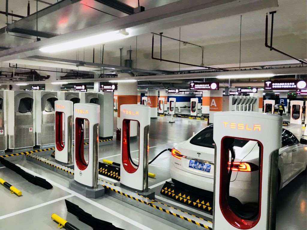 tesla-worlds-largest-supercharger-shanghai-50-stall-8-1024x768
